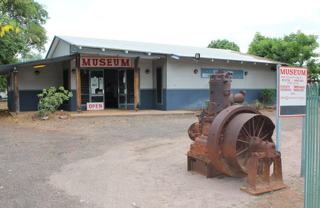 2012-10-24 - Petters - Carlton Reach Pump Engine at Kununurra Museum