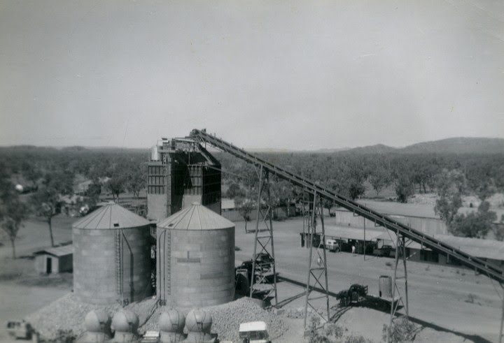 1961-09-ca - Batching Plant - Bulk Cement Tanks - Cement Globes on truck transport from Wyndham - KHS-2015-171-u-P6-D-21