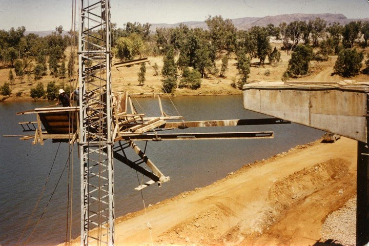 1962 - Diversion Dam - Removing formwork from completed concrete pier cantilever - KHS-2002-43-f-P8-D